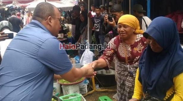Dirjen Kemendag dan PUPR Turun ke Fase VII Pedagang Pasar Raya: Terima Kasih Andre Rosiade 4