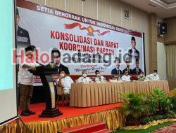 """Buka Rakorda Gerindra Sumbar di Bukittinggi, Ahmad Muzani: Saya Sedang """"Mengkloning"""" Andre Rosiade"""