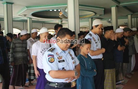 Warga LP Muara Padang Ikut Salat Gaib Untuk Korban Nanggala 402 1