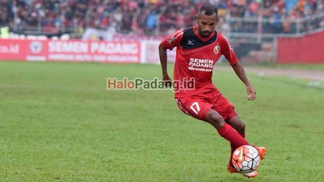 Rekrutmen Semen Padang FC. Rosad Setiawan In, Nur Iskandar Out