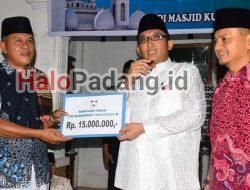 Wako Resmikan Bedah Rumah Bantuan PDAM Kota Padang