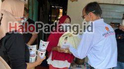 Jelang Lebaran, Andre Rosiade Berbagi Ribuan Paket Sembako 3