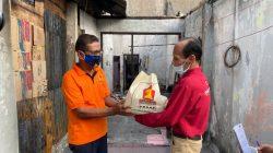 Andre Rosiade Bagikan Sembako di Lokasi Kebakaran Jati Padang 2
