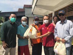 Sembako Bantuan Andre Rosiade Dibagikan di Parupuk Tabing