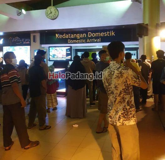 Di Bandara Internasional Minangkabau, Jumlah Kedatangan Mencapai 3.500 Orang 1