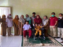 Andre Rosiade Kirimkan 5 Kursi Roda untuk SLB di Ranah Pesisir